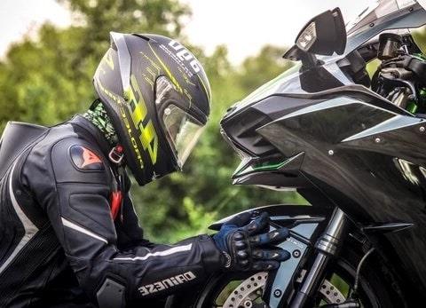 comprar casco de moto la guia definitiva